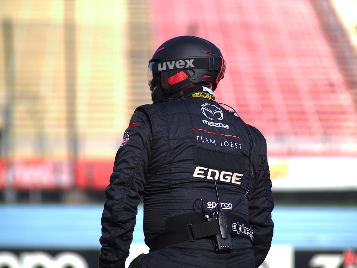 Team Mazda/Joest pit crew member.