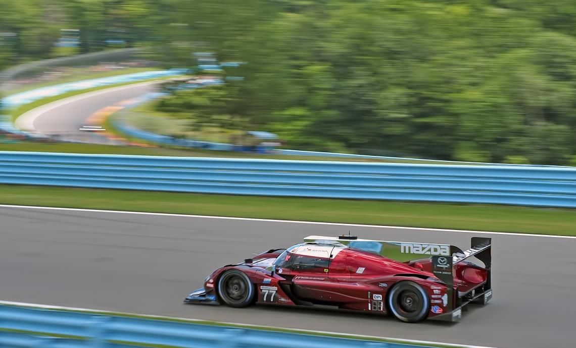 Mazda #77 in the lead.