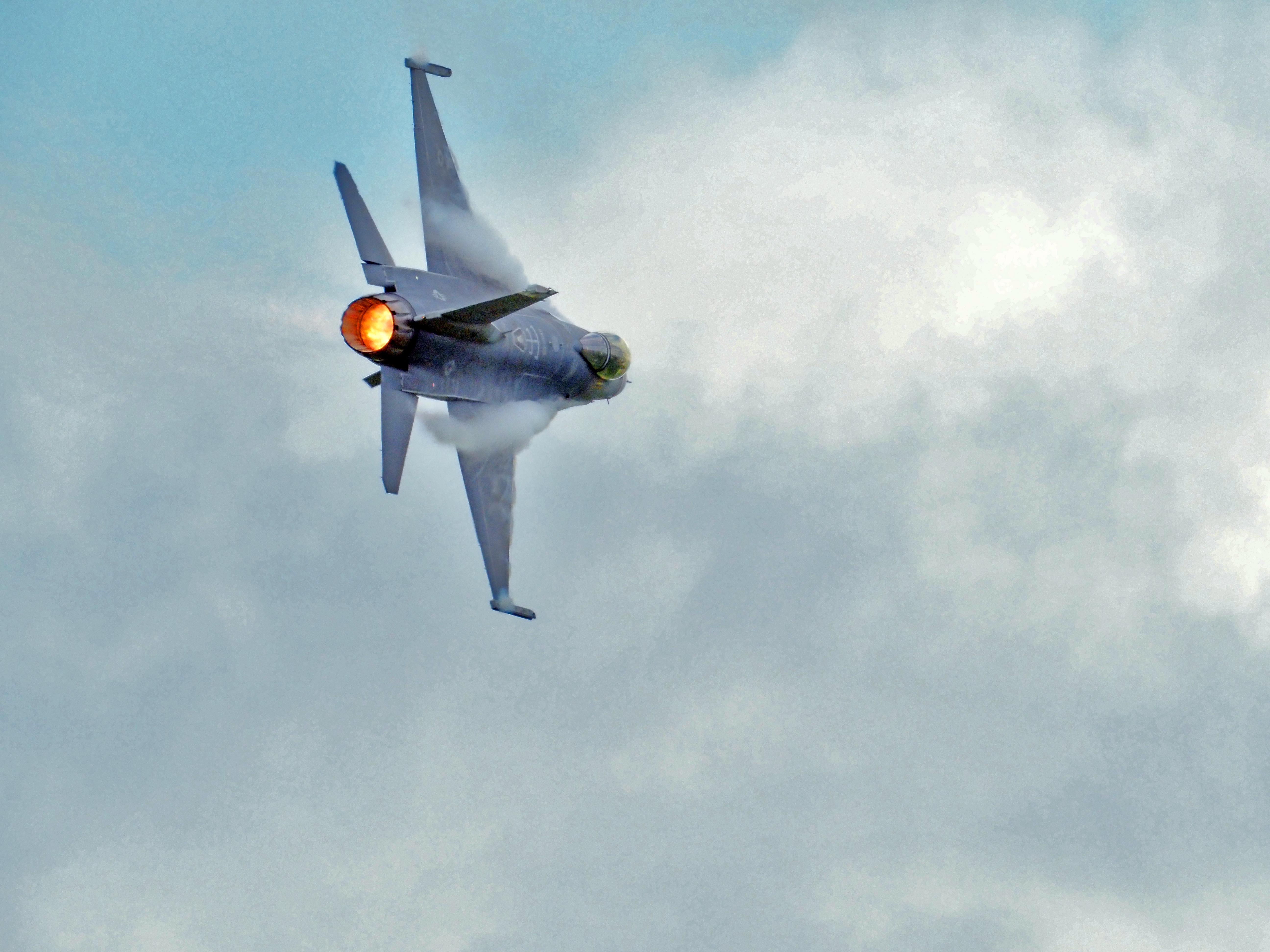 F16ViperAcrylic