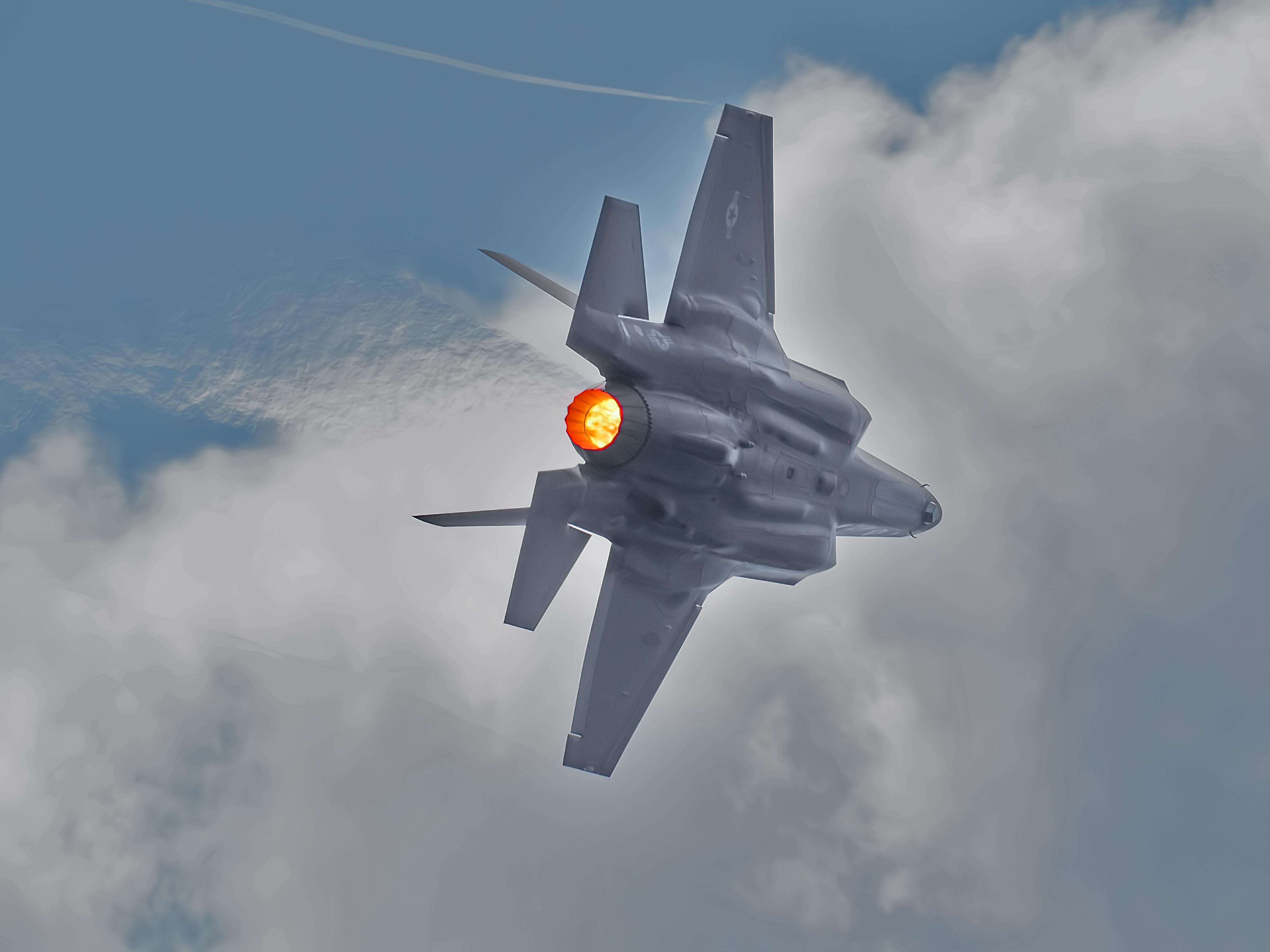 F35Afterburner